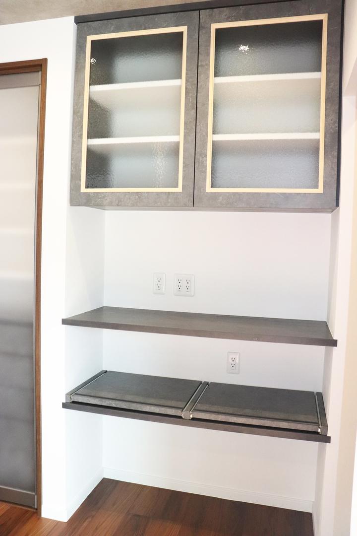 食器棚のサムネイル
