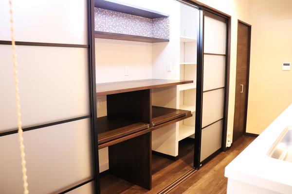 キッチン収納棚 施工事例