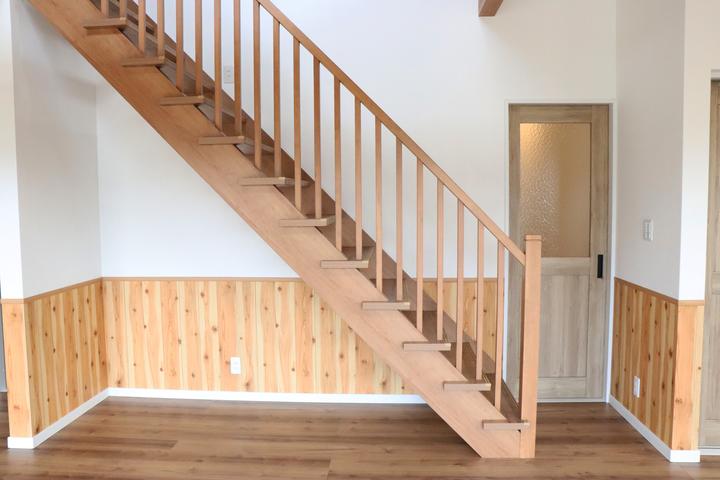 ストリップ階段 施工事例のサムネイル