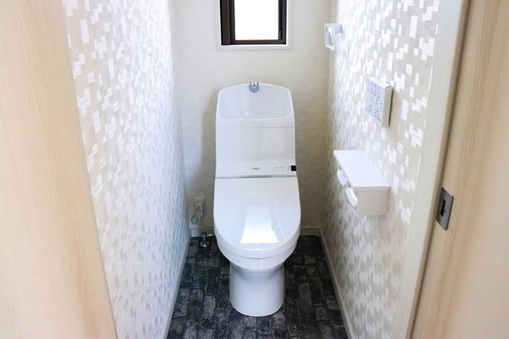 トイレ 施工事のサムネイル