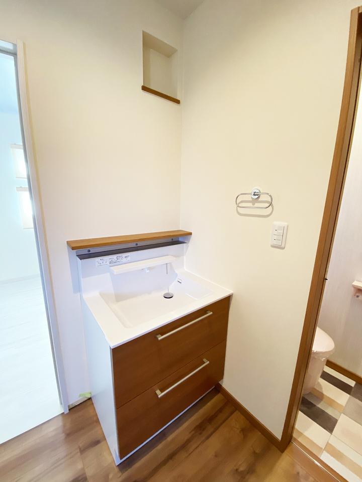 2階洗面化粧台 施工事例のサムネイル