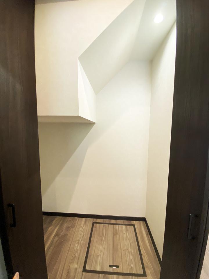 階段下収納 施工事例のサムネイル