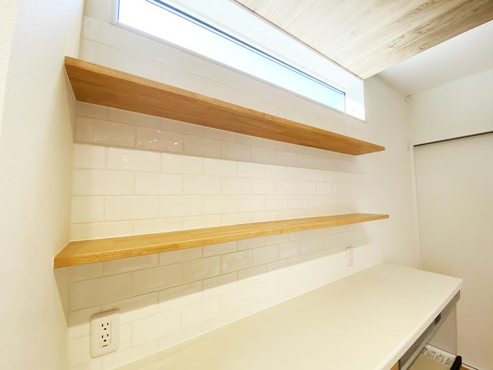 キッチン飾り棚 施工事例のサムネイル