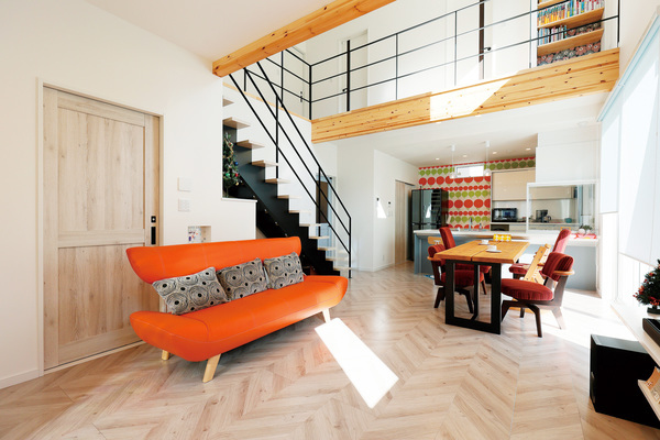 リビング階段の開放感あるお家