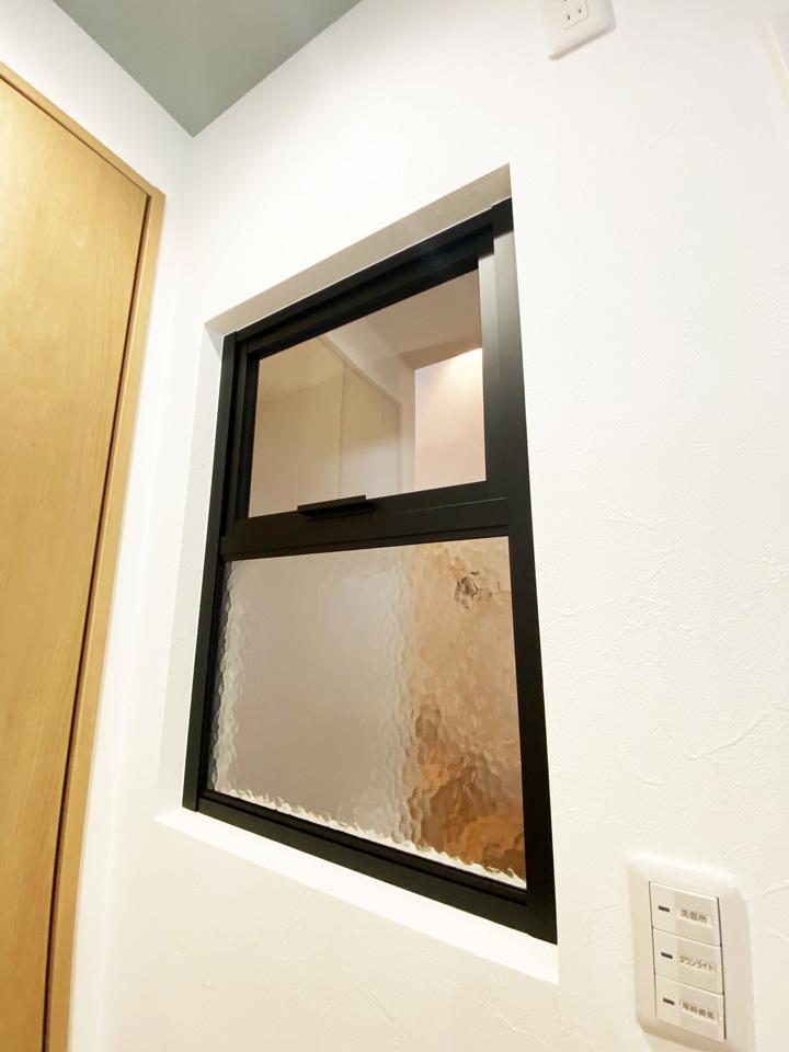 脱衣所窓 施工事例のサムネイル