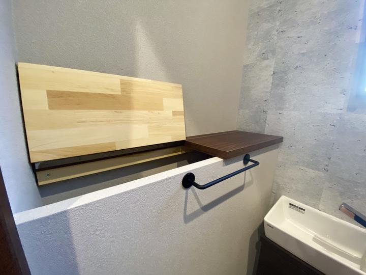 トイレ収納 施工事例 のサムネイル