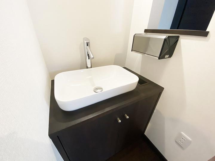 エントランス手洗い 施工事例のサムネイル