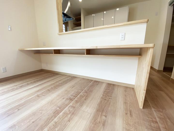 造作キッチンカウンター 施工事例のサムネイル